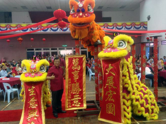 3 lions ushering in prosperity, good luck and success for everyone
